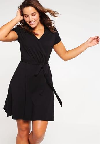 grossiste 8f266 b16e9 Petites robes noires en grande tailles : Version hivernale