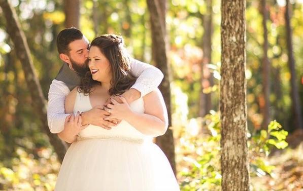 photos de rondes en robe de mariée
